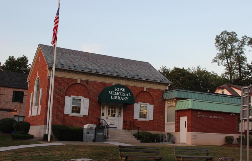 Rose Memorial Library gives presentation to SP Board