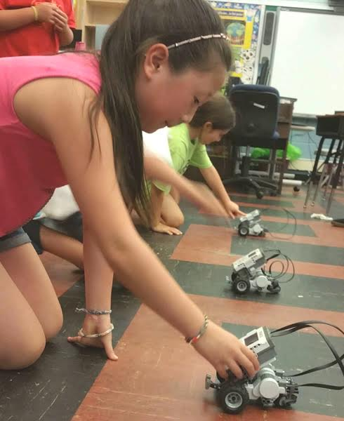Spring Into Summer Camp Fun: Robots Are Coming to the Mall!