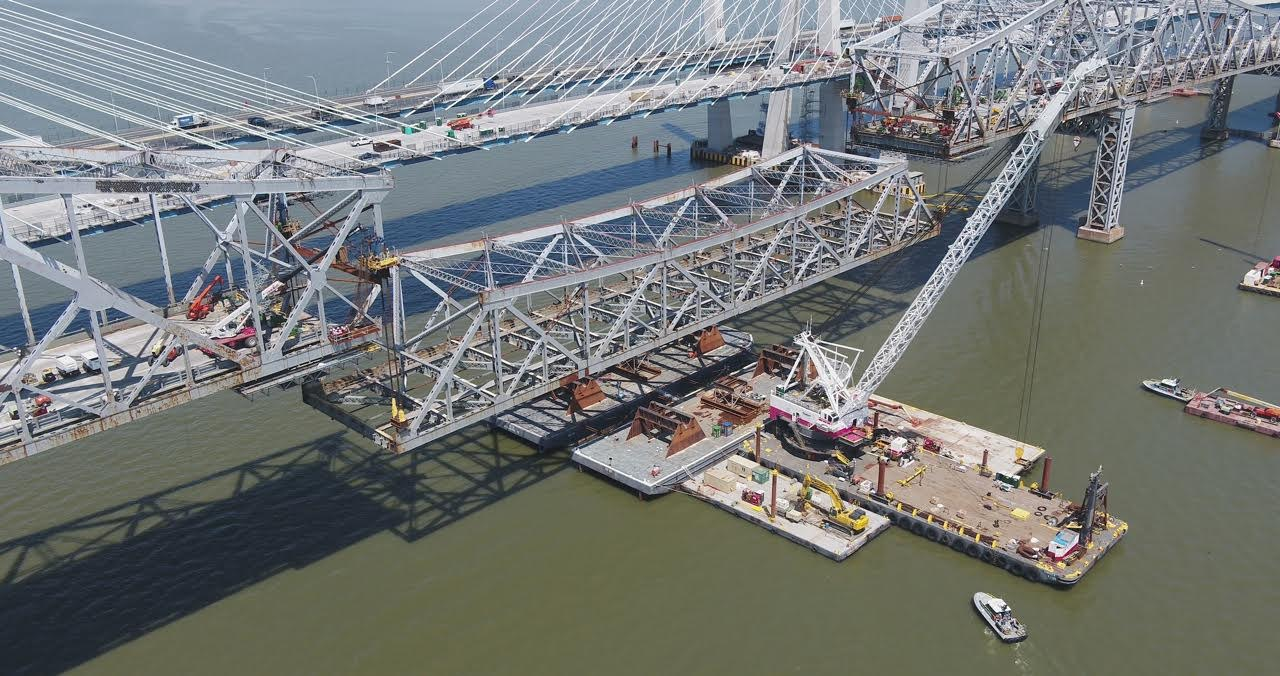 Crews remove the first portion of Tappan Zee main span