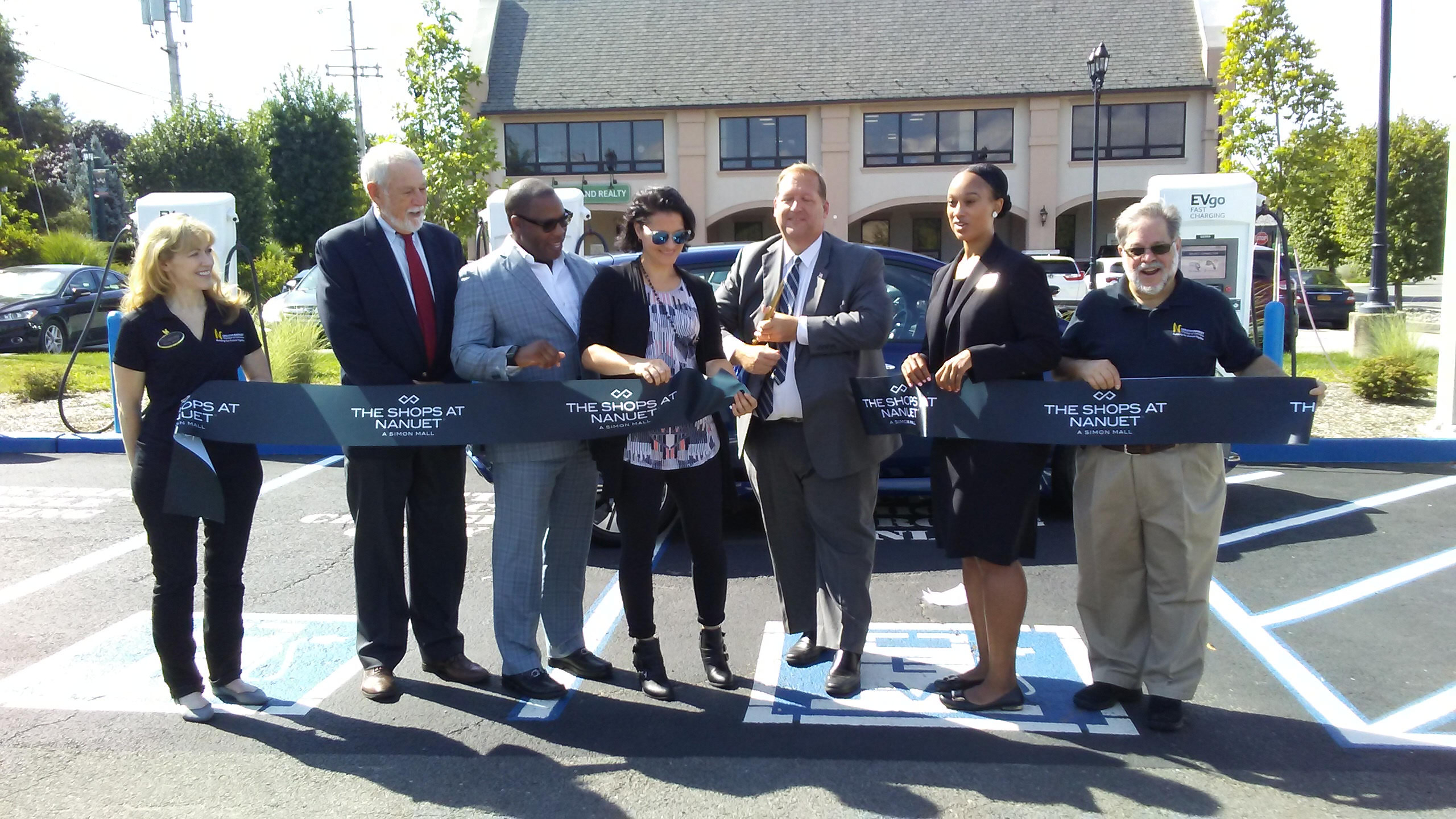EVgo electronic charging station opens in Nanuet | The