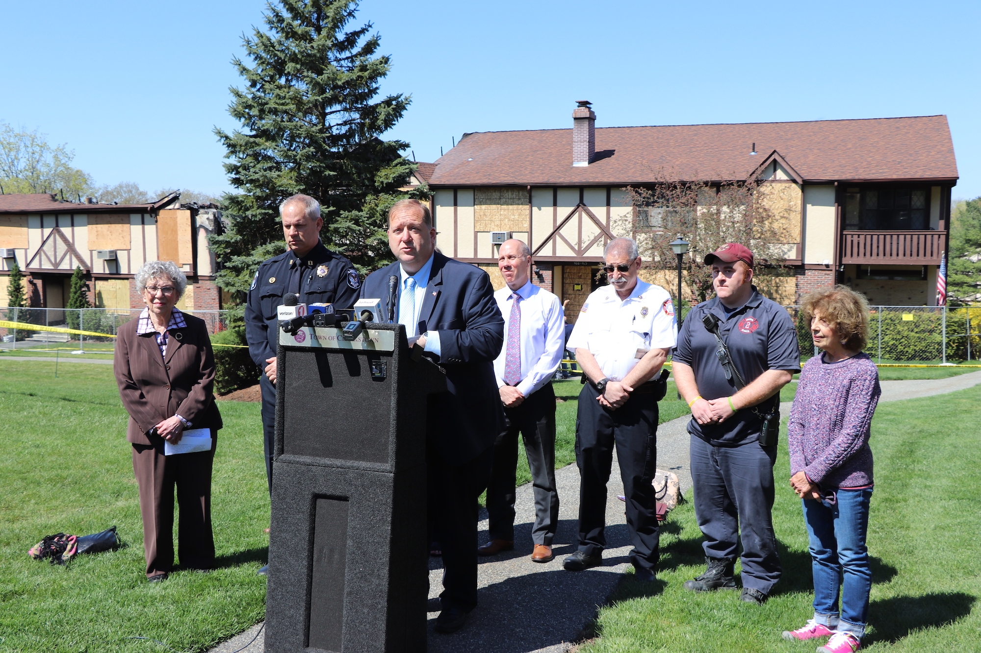 Clarkstown Supervisor George Hoehmann, Rockland County Voluntary Organizations Active in Disaster (RCVOAD), and other Officials Announce Ways to Help Victims of Mountainview Condos Fire
