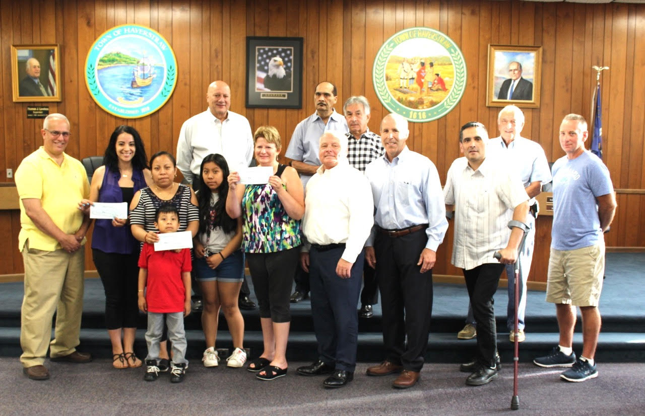 North Rockland Community 5K Run/Walk Committee Presents Checks to Recipients