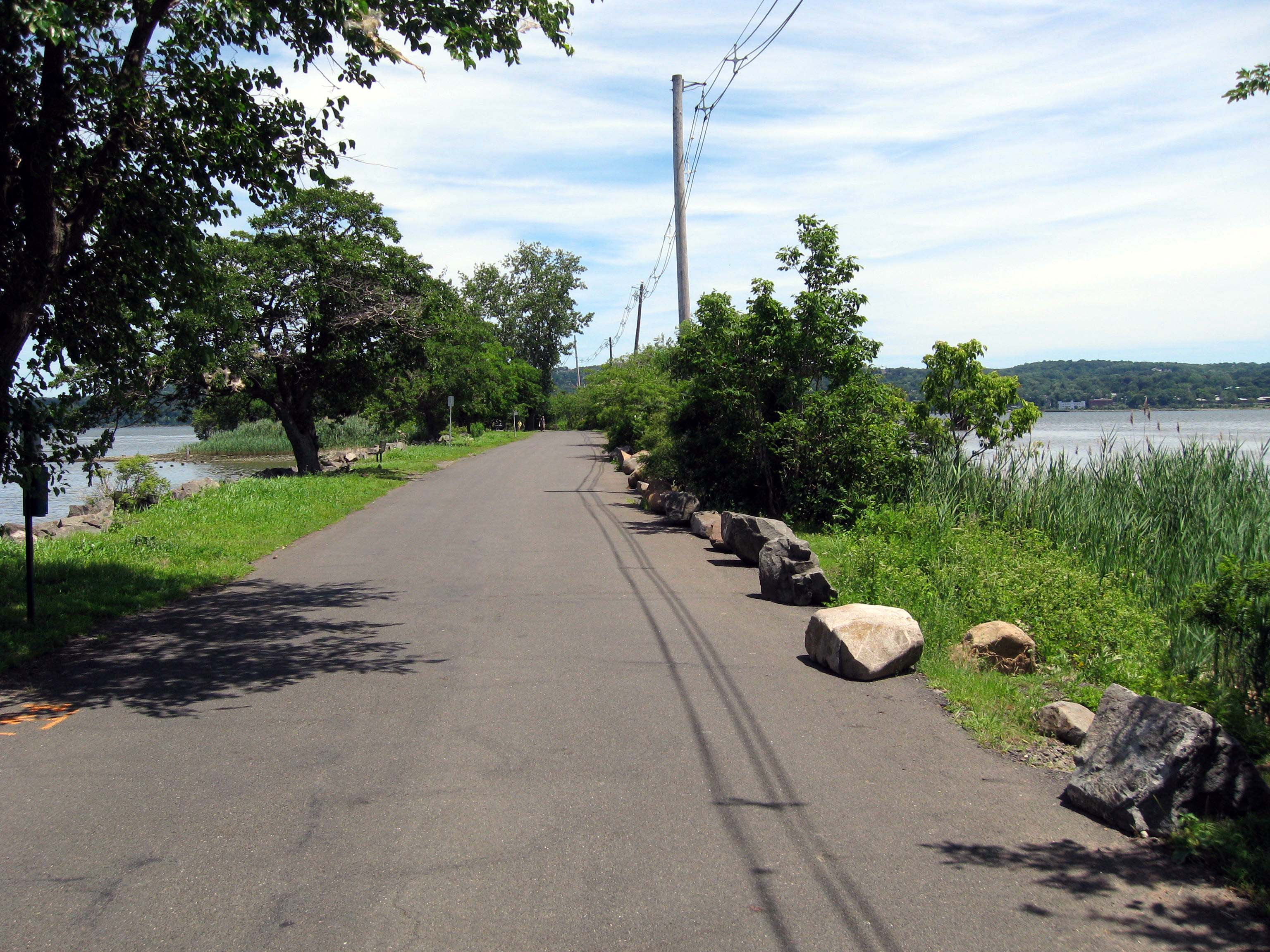 Rockland Unites to Clean Up Community